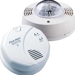 BRK Electronics SC7010B/SL177 Kit - Hard Wired T3 Smoke/ T4 Carbon Monoxide Photoelectric Alarm w/ Strobe